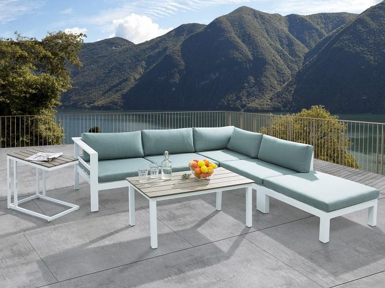 arredare-terrazzo-mobili-design-metallo-colore-bianco