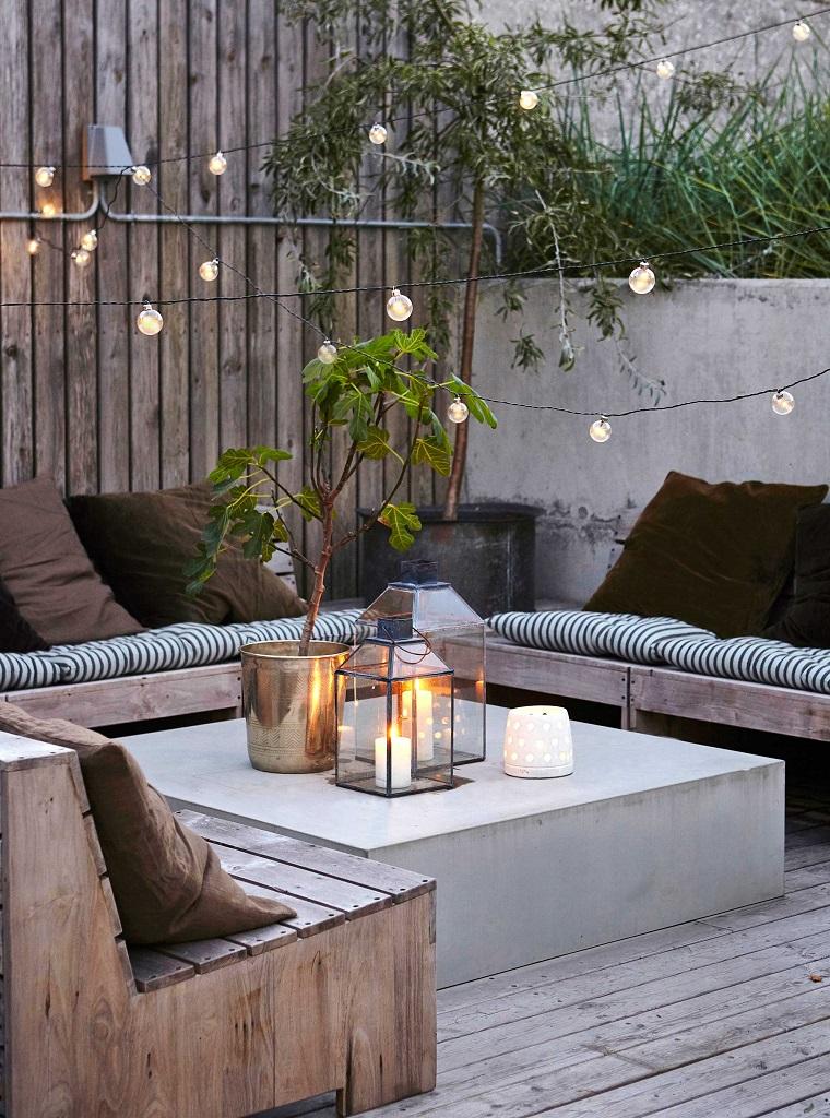 arredare-terrazzo-mobili-legno-luminaria-design