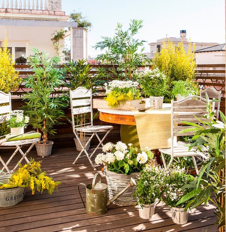 Arredo terrazzi 30 soluzioni anche per uno spazio dalle for Piante per terrazzi