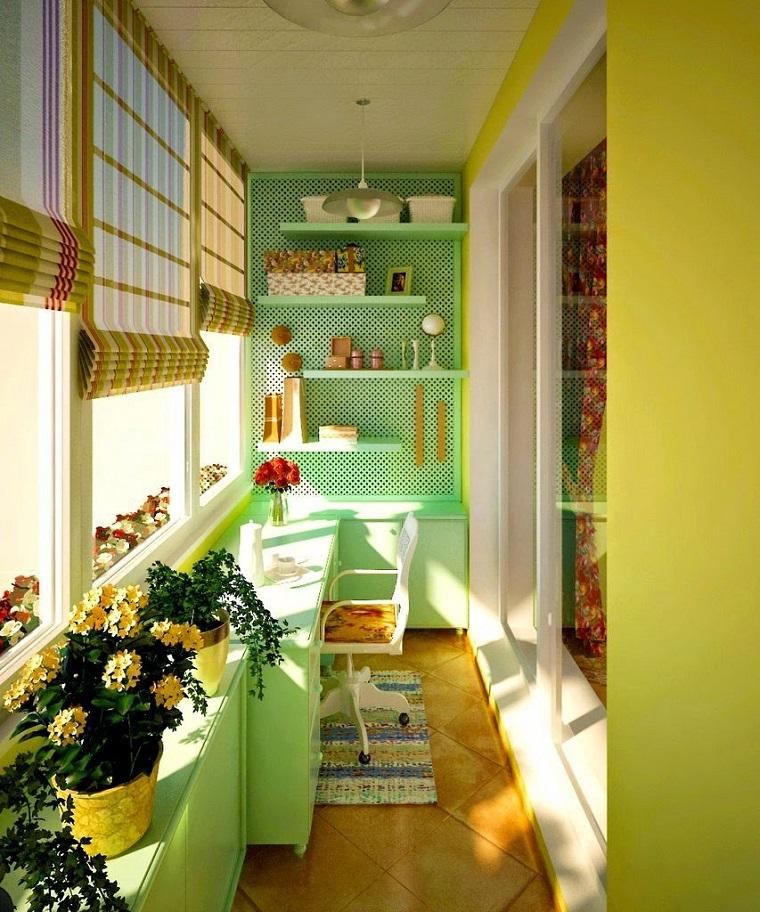 arredo-terrazzo-piante-pareti-colorate