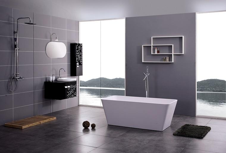 bagno grigio-arredamento-moderno-vasca-rettangolare