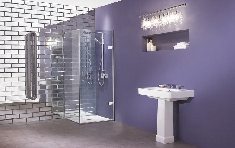 bagno-moderno-con-doccia-soluzione-semplice