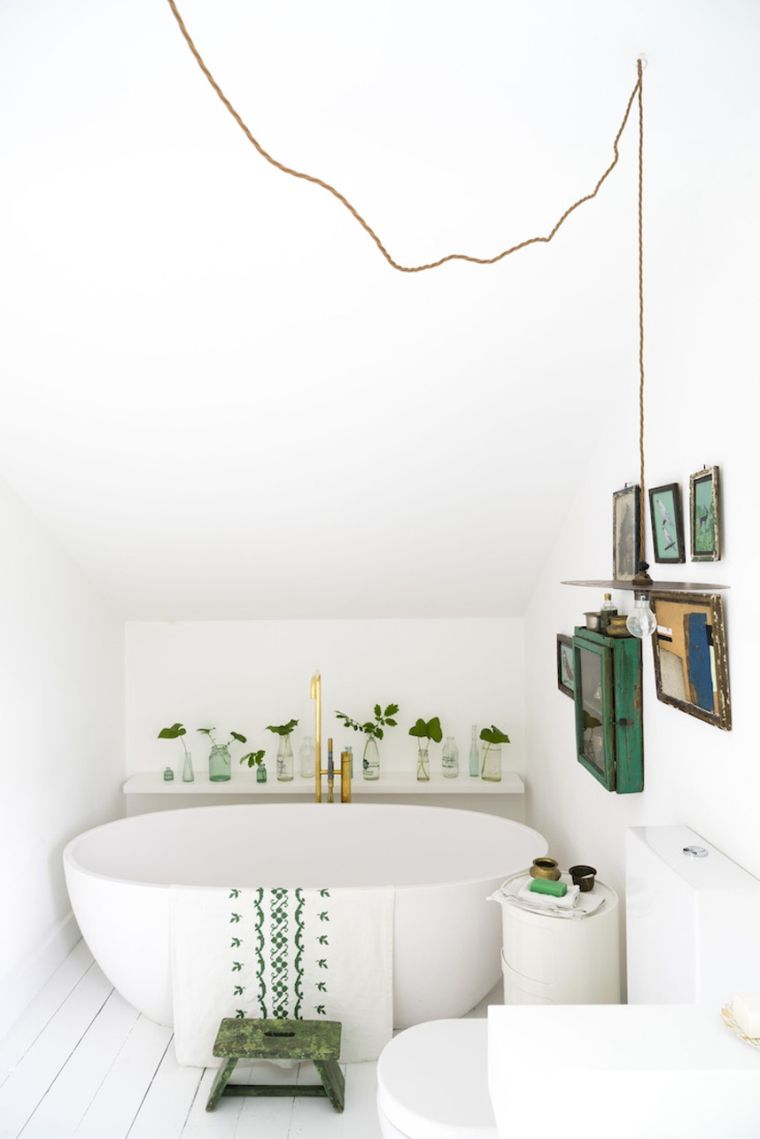 Arredare bagno piccolo ecco gli escmotage pi originali - Bagno piccolo con vasca ...