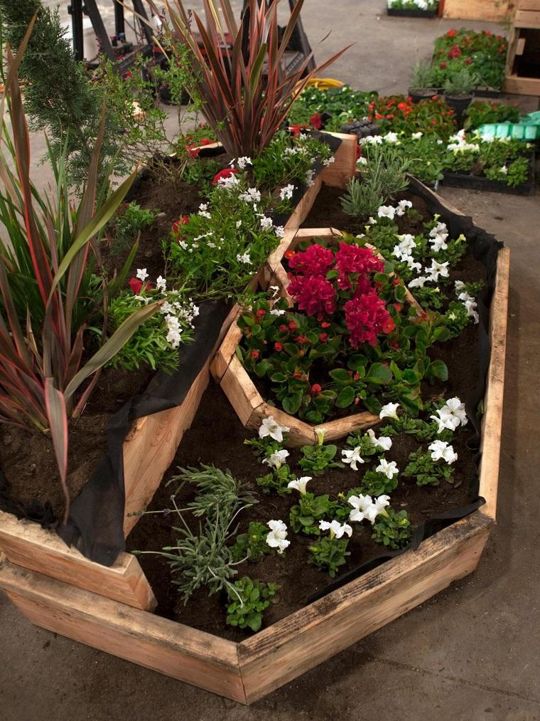 Bordure per aiuole in pietra e legno ecco le soluzioni for Design giardini
