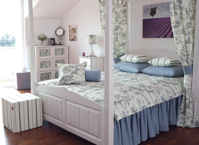 camera-da-letto-stile-provenzale-tessuti-fiori