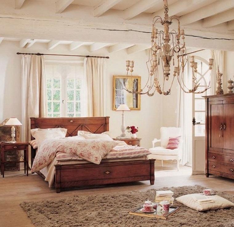 camere-da-letto-country-lampadario-ferro-battuto