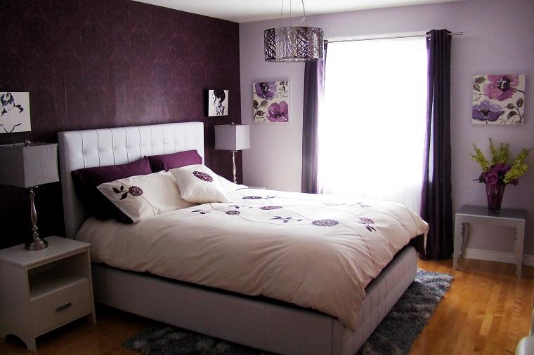 camerette-per-ragazze-moderne-parete-viola