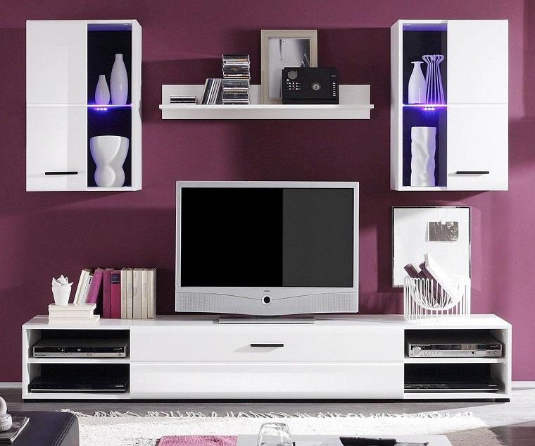 colori-pareti-soggiorno-viola-mobili-moderni