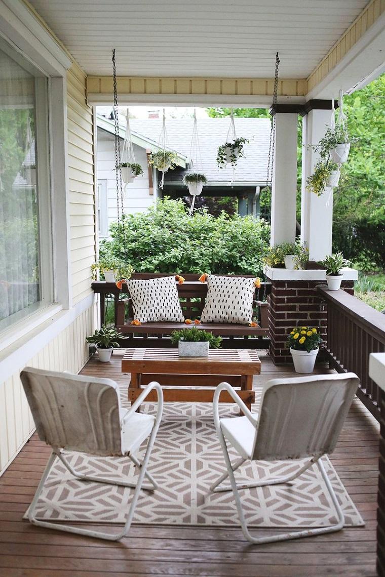 come-arredare-una-veranda-pavimento-legno