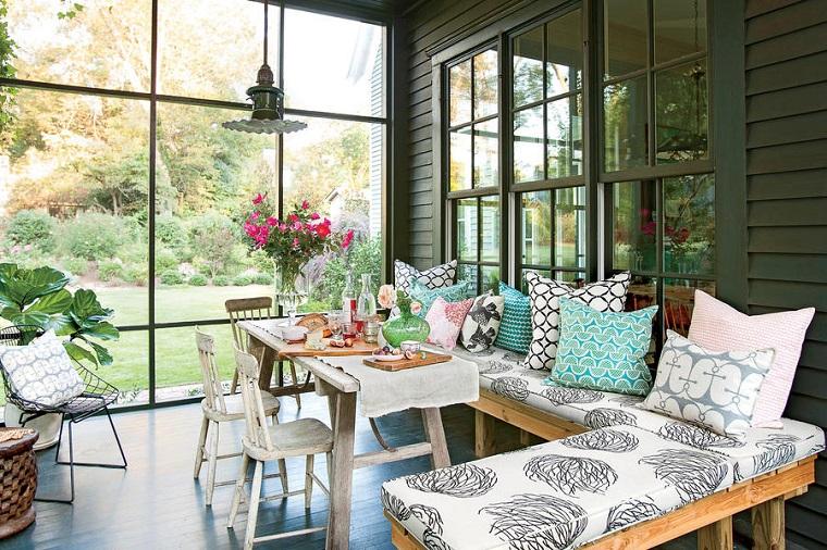 come-arredare-una-veranda-tavolo-pranzo