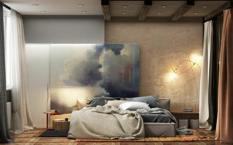 Soffitto con travi di legno, illuminazione con faretti, colori camera da letto, tende colorate