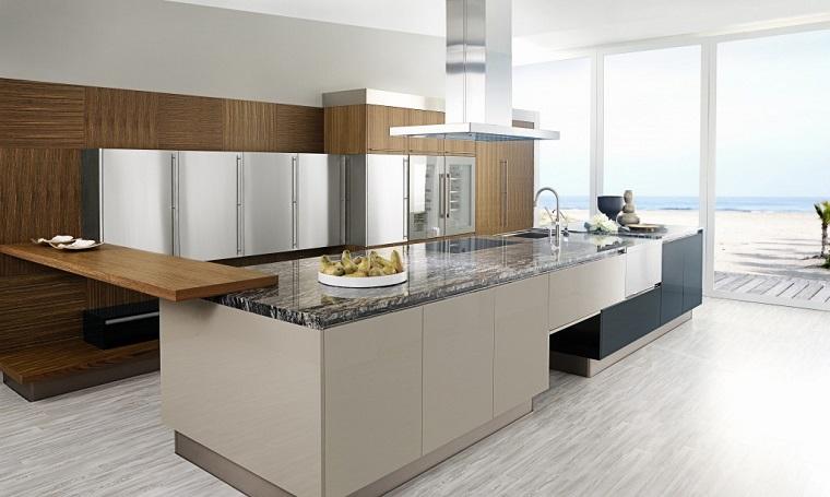 cucina-acciaio-inserti-legno-marmo