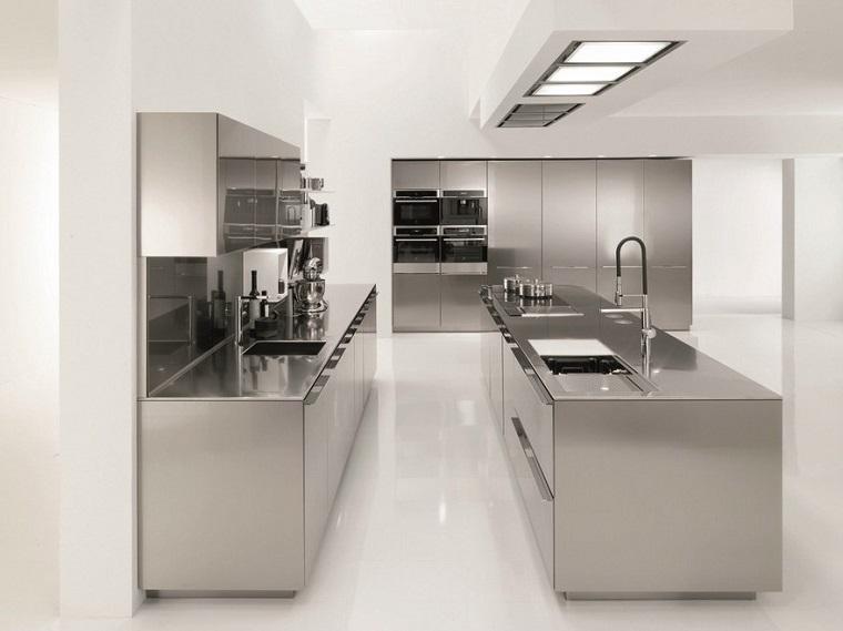 cucina-acciaio-soluzione-deisgn-moderni