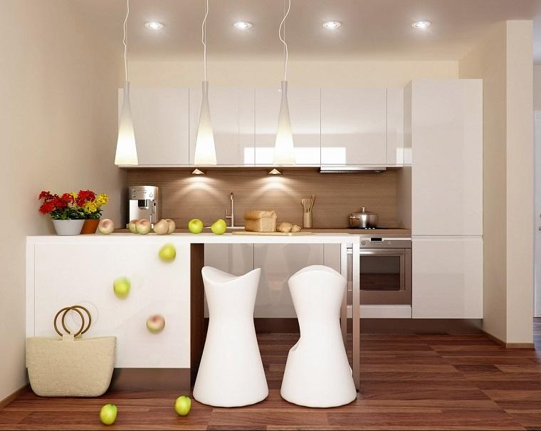 cucina-bianca-design-moderno-pavimento-legno