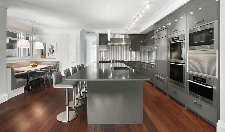 cucina-bianca-e-grigia-proposta-moderna
