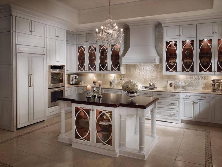 Cucine bianche classiche: una scelta di stile sempre al passo con i ...