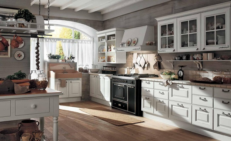 cucina-classica-bianca-pavimento-parquet