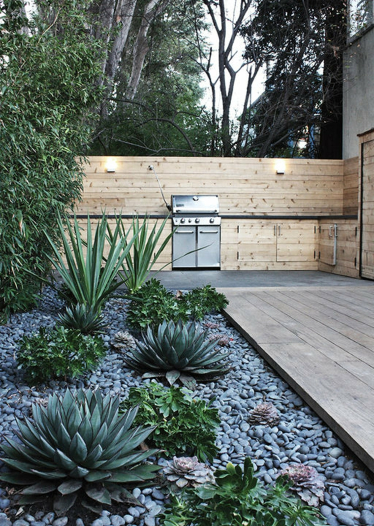 cucina-esterna-legno-giardino-pietra