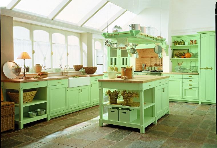cucina-provenzale-arredamento-colore-verde