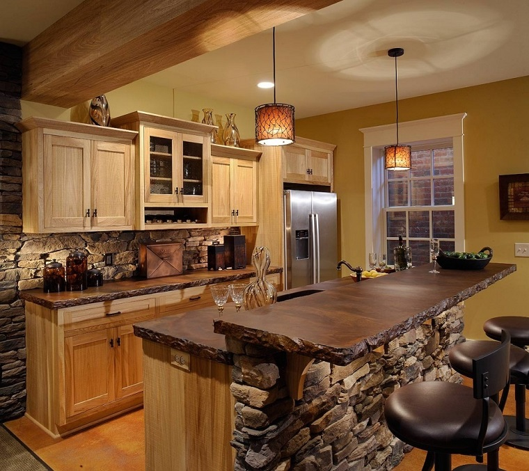 cucina-rustica-legno-pietra-isola-zona-bar