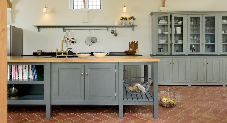 Cucine stile inglese: atmosfere calde, tanto legno e cura ...