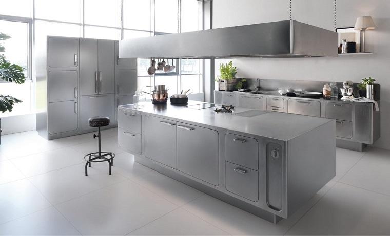 cucine acciaio inox-ampie-dimensioni