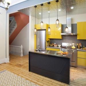 1001 idee per cucine moderne piccole soluzioni di design for Piccole cucine con isola
