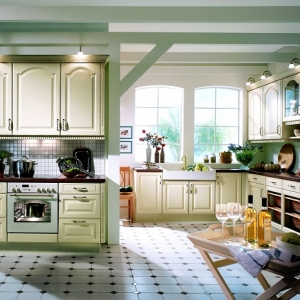Cucine provenzali: 10 idee di arredamento elegante e romantico