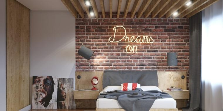 Carta da parati effetto pietra, scritta luminosa sul muro, testata letto in legno, colori rilassanti