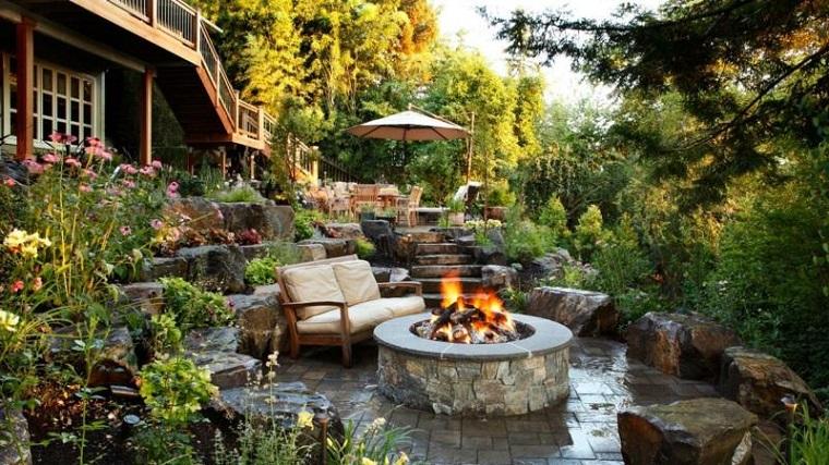 giardini-in-pendenza-outdoor-camino-esterno