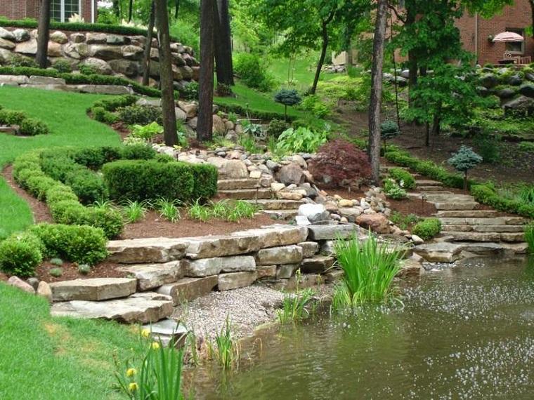 giardino in pendenza idee e soluzioni per la