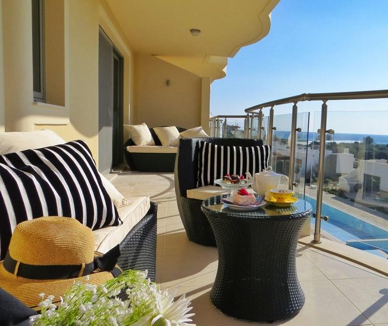 idee-per-terrazzi-stile-elegante