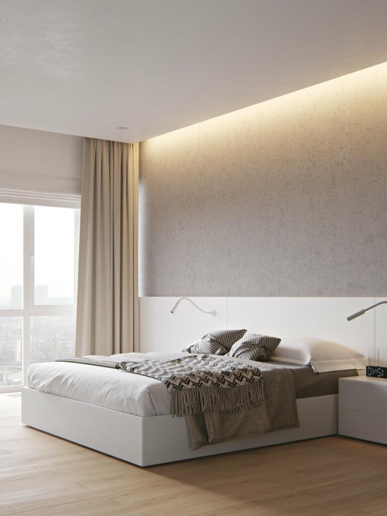 Dipingere camera da letto due colori, parete beige e bianco, illuminazione nascosta dal soffitto