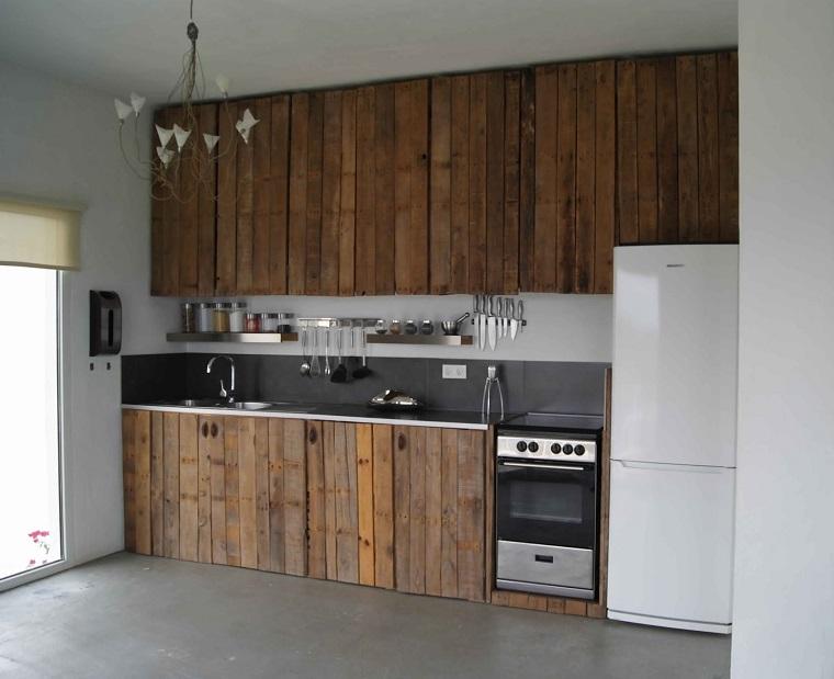 pallet-arredamento-cucina-stile-rustico