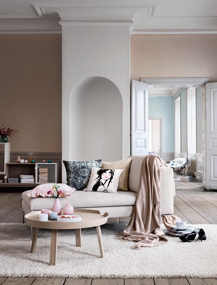 parete-tortora-colorazione-interni-salotto