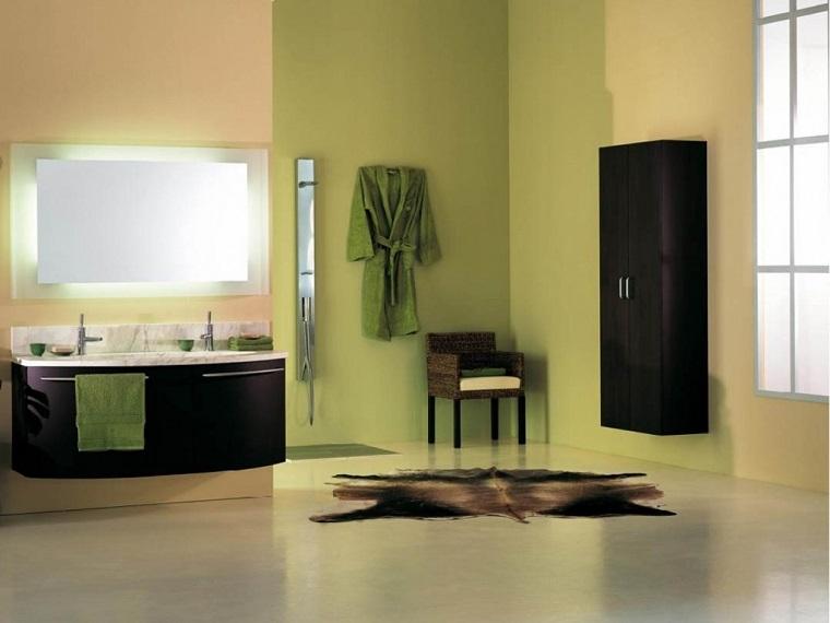 pareti-colorate-verde-salvia-nocciola-bagno