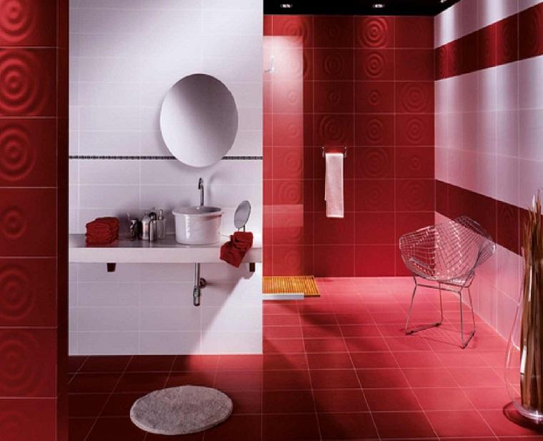 Rivestimento bagno moderno dalle piastrelle ai pannelli le ultime tendende - Bagno moderno rosso ...