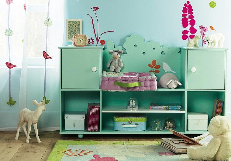 pittura-cameretta-azzurra-decorazioni-fucsia