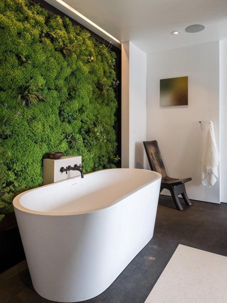 rivestimento-bagno-moderno-giardino-verticale