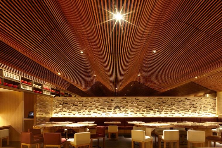 soffitti-in-legno-design-moderno-arredamento-locale
