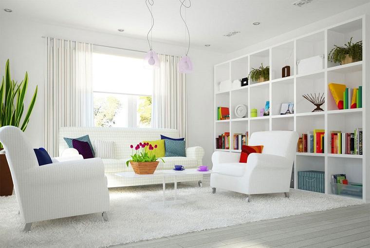 soggiorno-arredato-stile-moderno-parquet-bianco