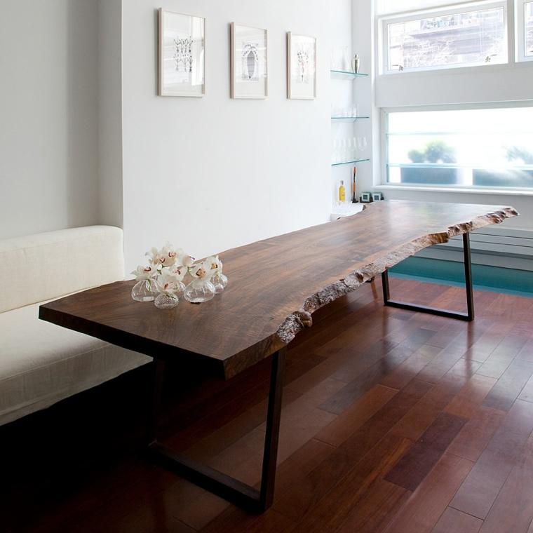 Tavoli in legno grezzo un dettaglio rustico di grande for Tavoli in legno grezzo