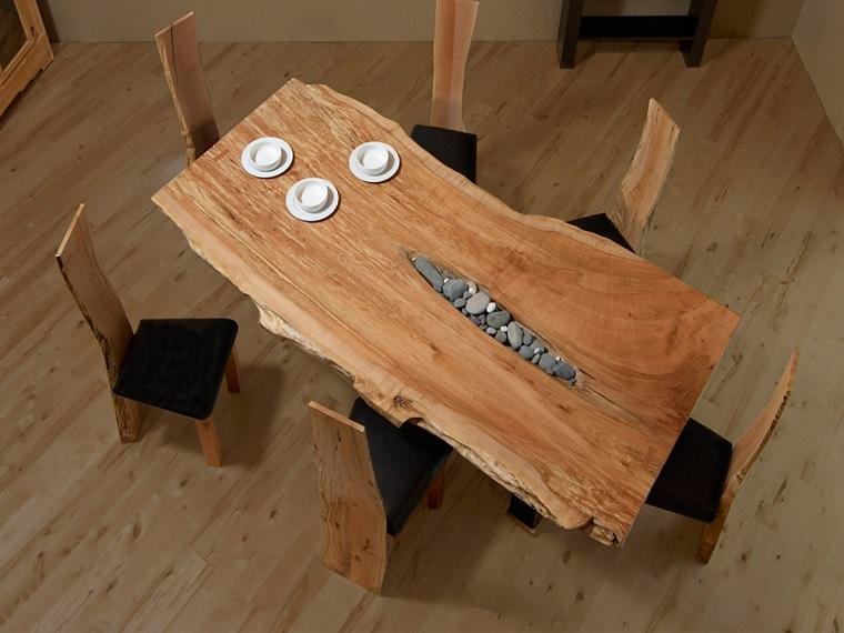 Tavoli in legno grezzo un dettaglio rustico di grande for Tavoli estensibili in legno