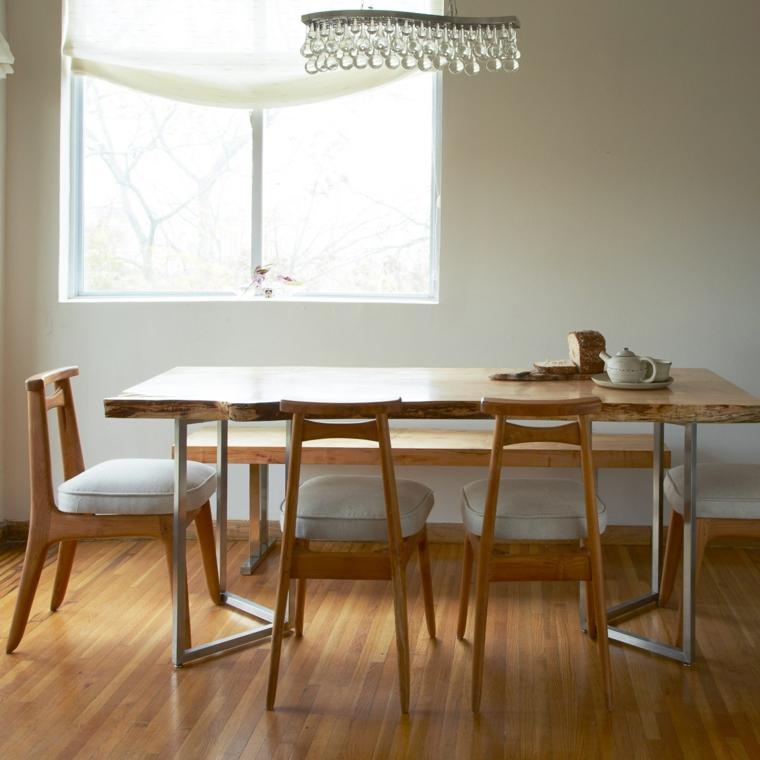 Tavoli in legno grezzo un dettaglio rustico di grande for Muebles tante