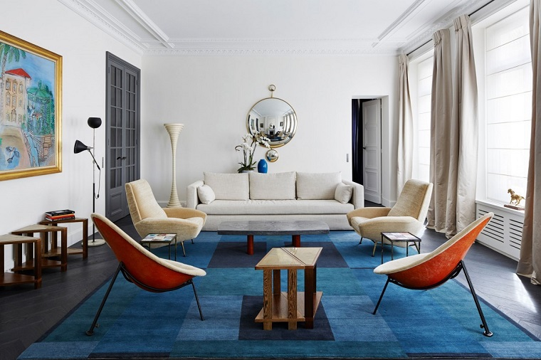 tende-salotto-colore-beige-arredamento-contemporaneo