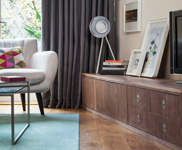tende-salotto-colore-grigio-arredamento-classico