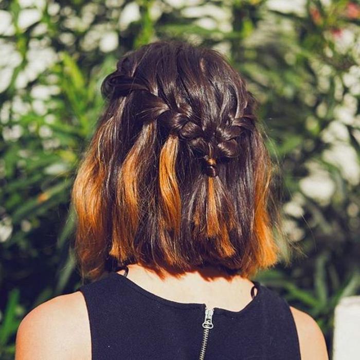 acconciatura-per-capelli-corti-colorati-tagli-capelli-treccia-diadema-bionda-stagione-vestito-maglia-grigia-ragazza-femminili-donna