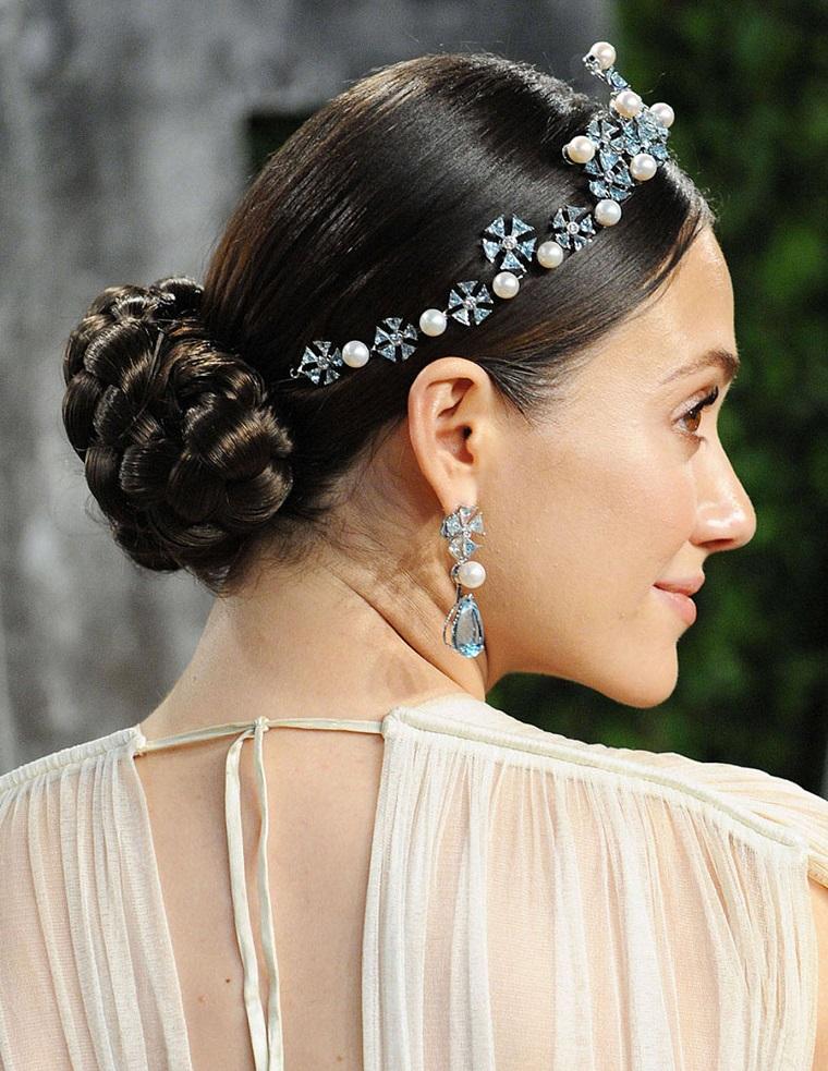 acconciatura-sposa-raccolto-fascietta-brillanti-perle