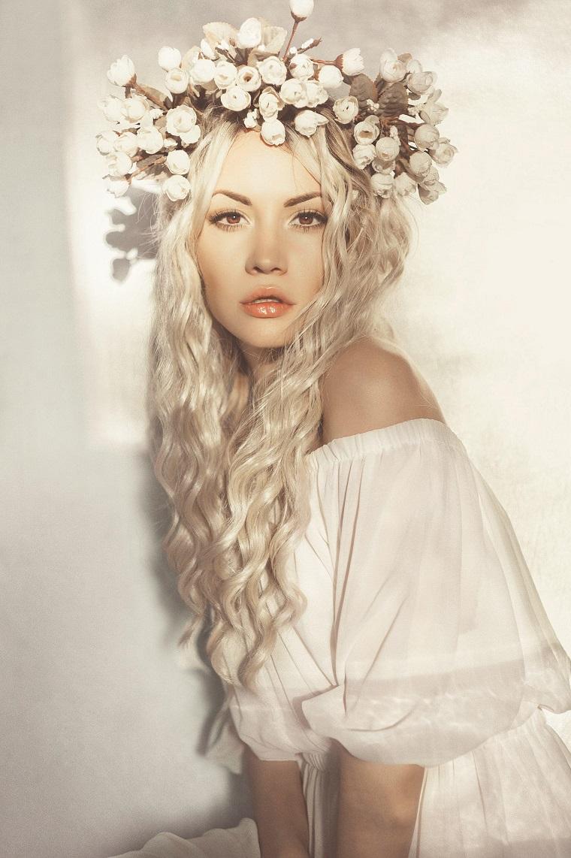 acconciature-da-sposa-corona-fiori