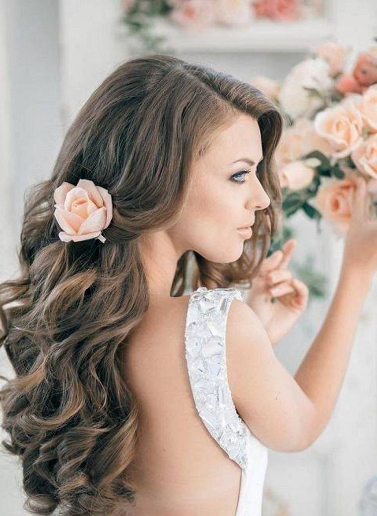 acconciature-da-sposa-sciolti-rosa-lato Acconciature sposa  cento look da  favola per il giorno più bello! 391bf34c6bf